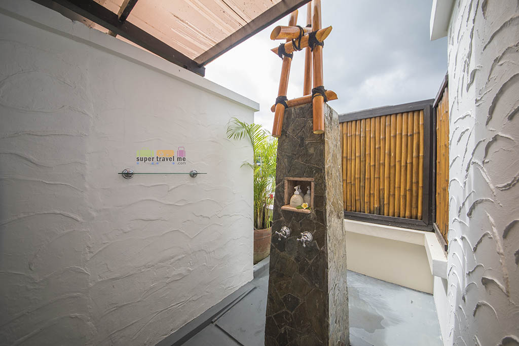Angsana Spa Bintan - Outdoor Shower 1G7A5480