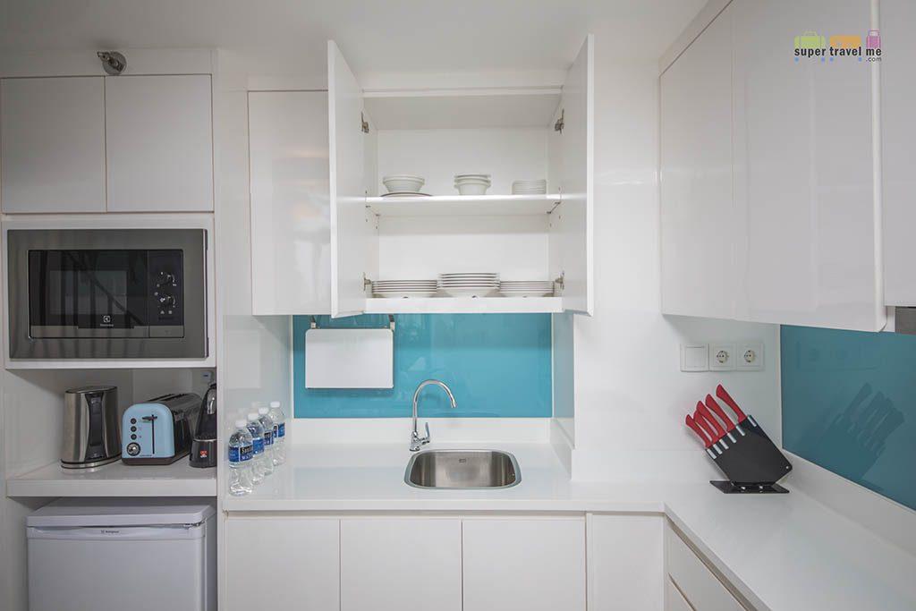Cassia Bintan - Two bedroom loft apartment kitchen 1G7A5603