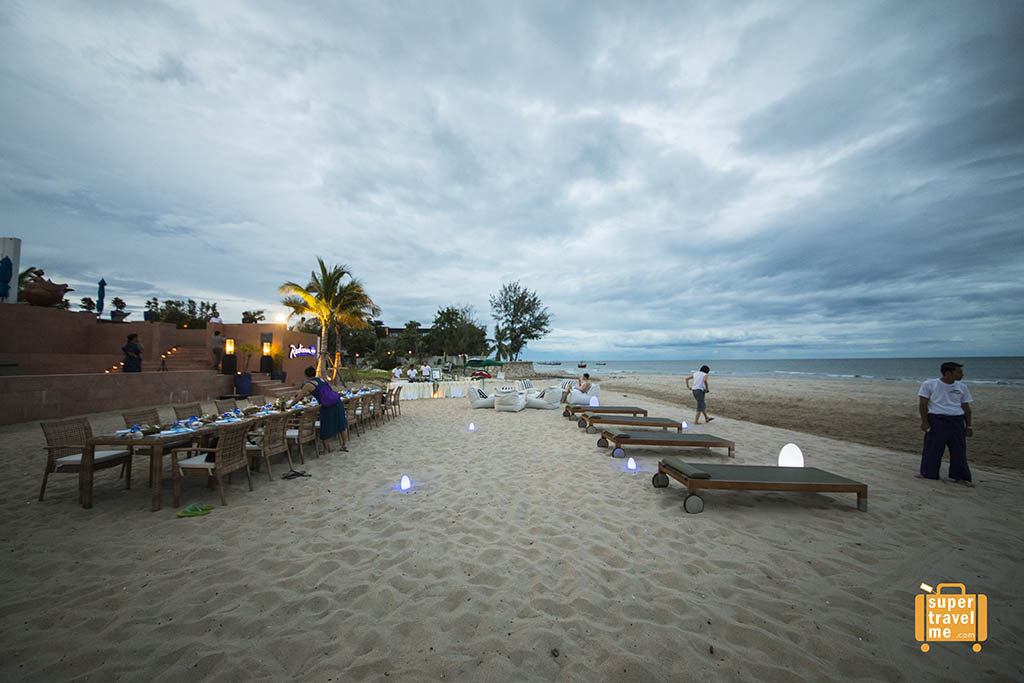Throw a dinner party on the beach at Radisson Blu Resort Hua HIn