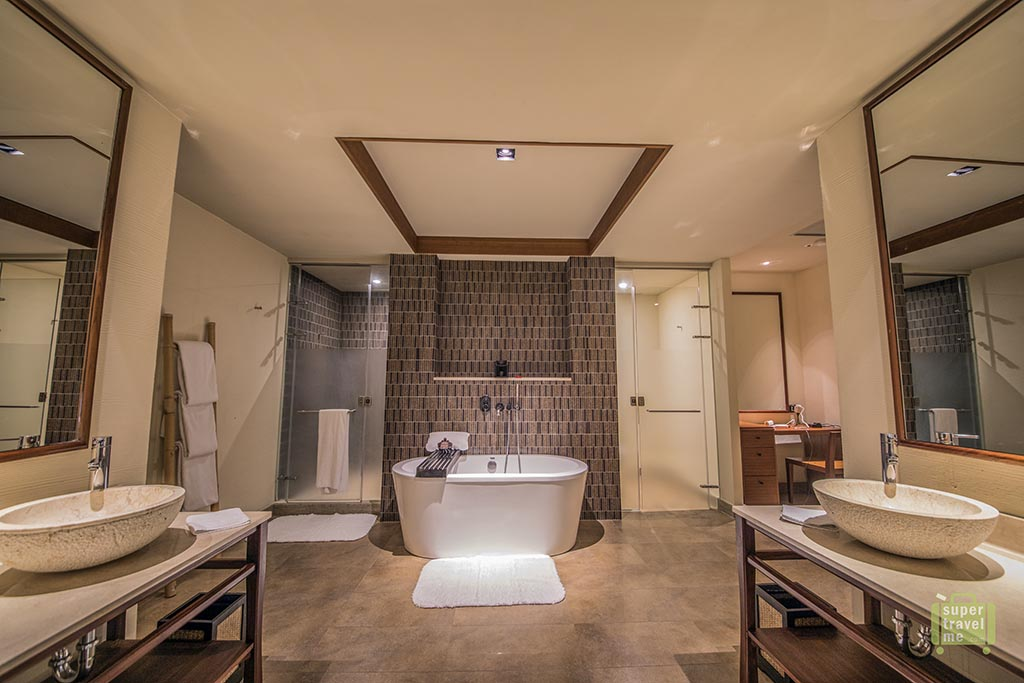 The bathroom in the River View Suite at Silks Place Taroko