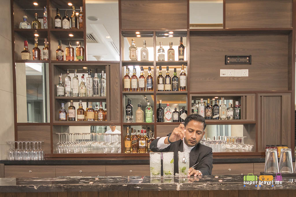 Urbana Rooftop Bar at level 33 in Courtyard by Marriott Singapore Novena