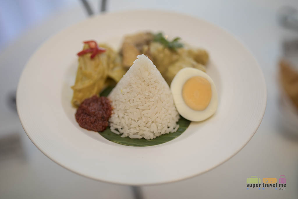 Garuda Indonesia First Class Meal - Opor Ayam with Nasi Uduk