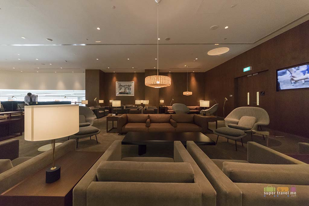 Main Lounge area at Cathay Pacific Lounge in Changi Aiport T4 1G7A1556-2