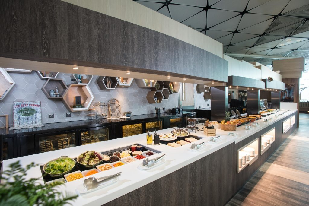 The food selection in Club Autus at Midfield Terminal in Hong Kong International Airport (HKA photo)