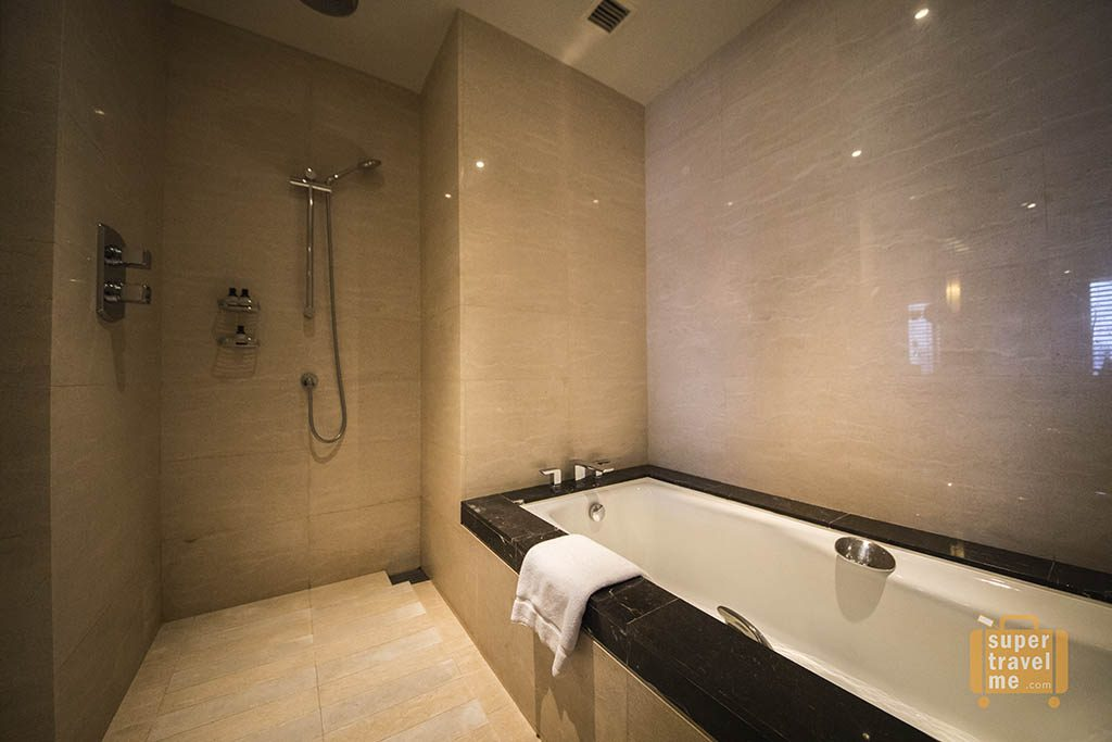 Separate Shower and Bathtub at the Fairmont Jakarta Fairmont Room
