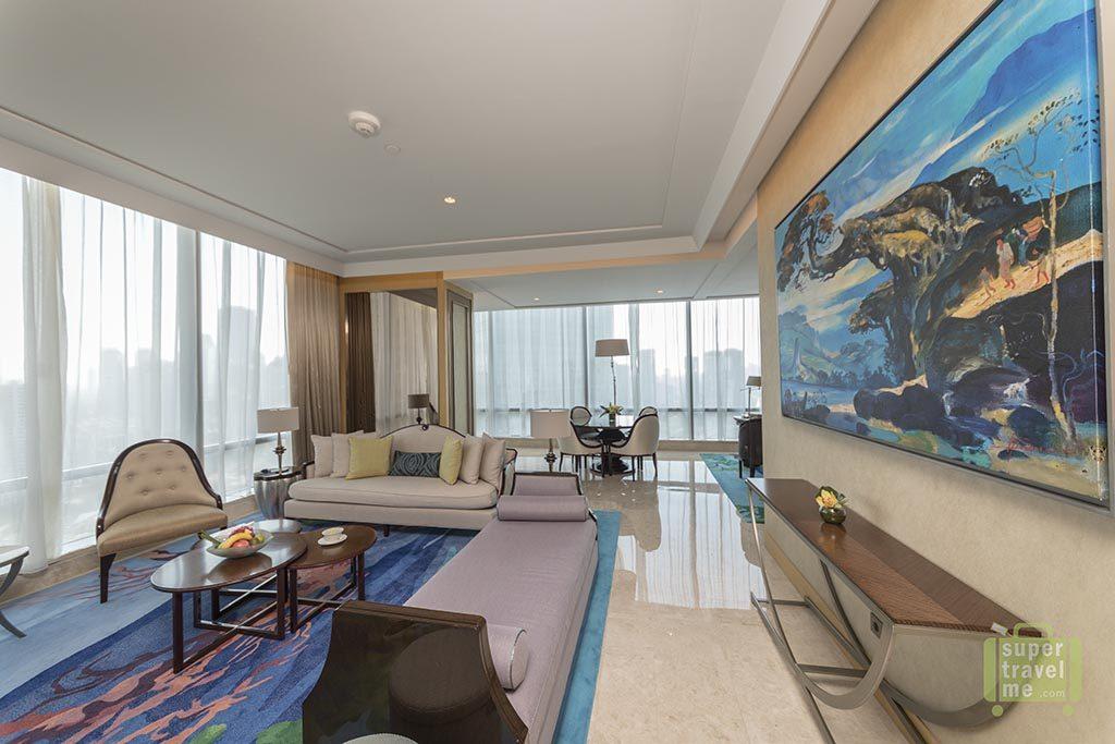 Raffles Jakarta - Suite Living Room 1G7A4500