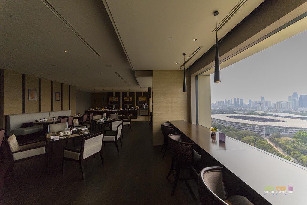 Fairmont Gold Lounge in Fairmont Jakarta - Dining area