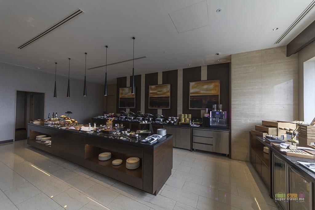 Fairmont Gold Lounge, Jakarta - Food area