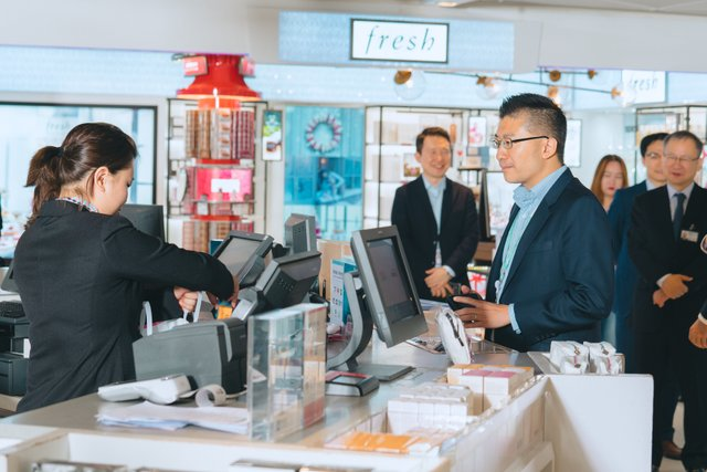HKIA Mr Alby Tsang makes first purchase