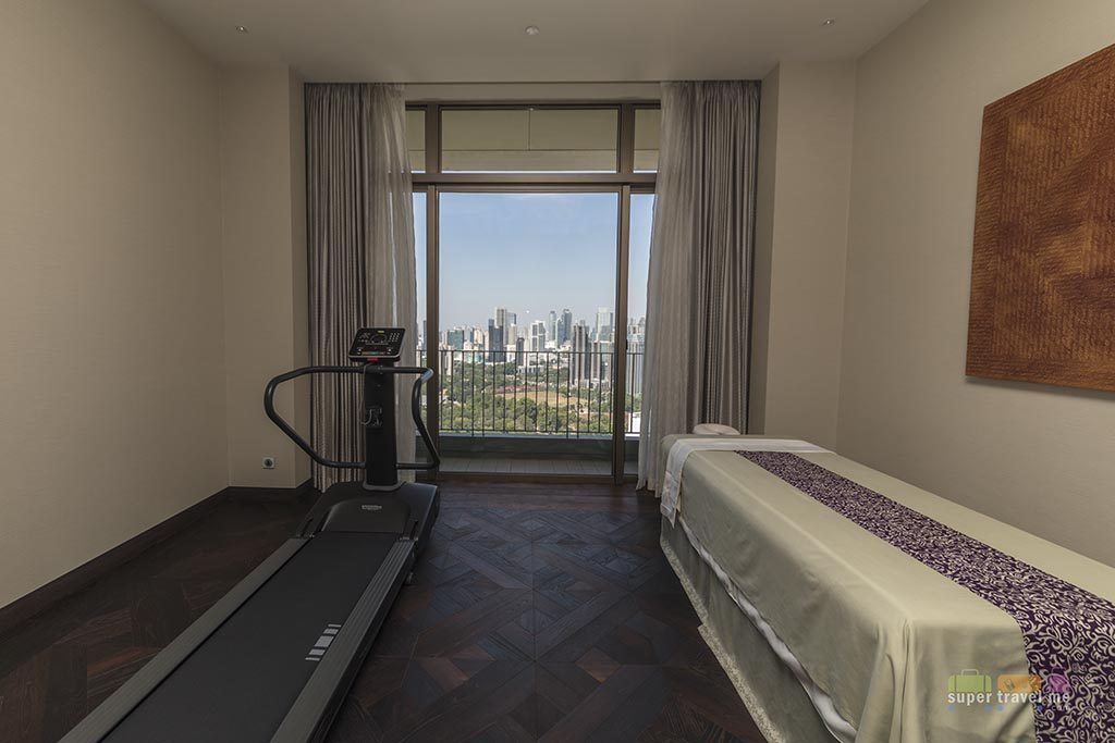 Treadmill and Massage bed room in Presidential Suite