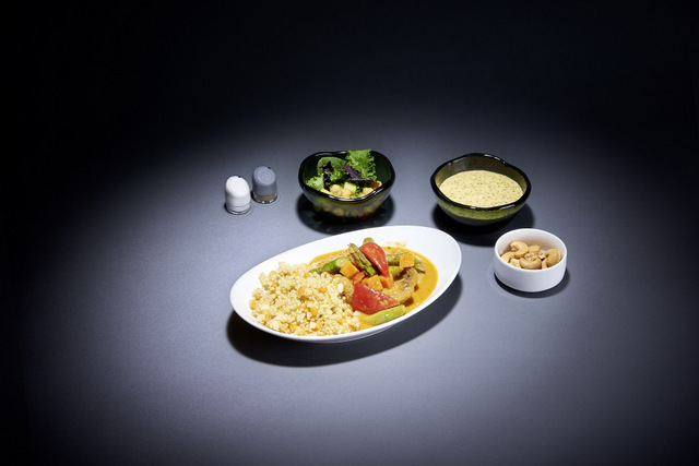 Lufthansa to offer up to seven a la carte dining options on almost all long-haul intercontinental flights flying out of Frankfurt and Munich from May 2018 at an extra charge of 19 to 33 euros. (Lufthansa photo)