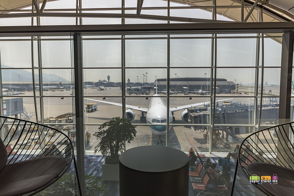 Cathay Pacific - The Deck - Hong Kong International Airport - Terrace