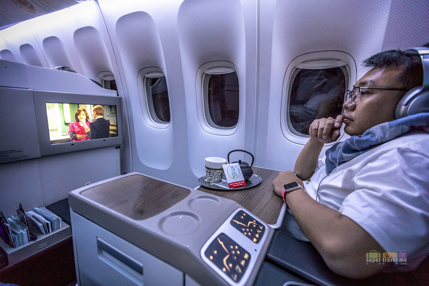 Dennis enjoying the inflight entertainment onboard Turkish Airlines TK54 from Istanbul to Singapore while enjoying the Winter Tea.
