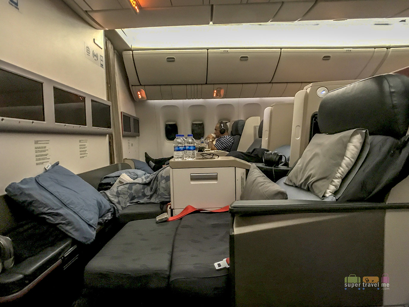 Turkish Airlines Business Class seat in B777-300ER 5681