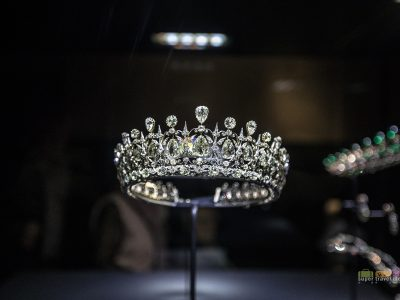 Crown Jewels at Kensington Palace Museum 4379