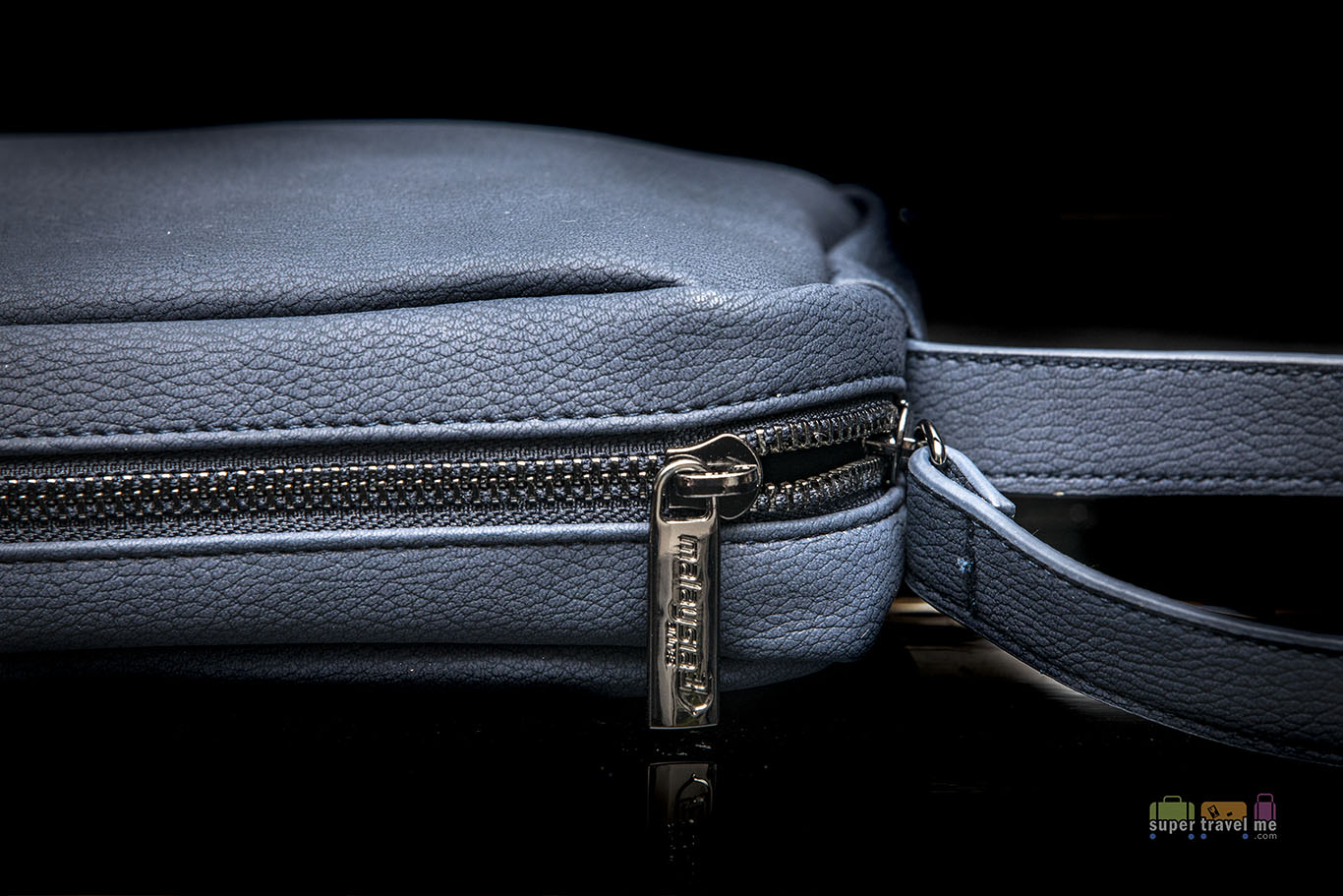 Malaysia Airlines first class Amenity kit bag for men