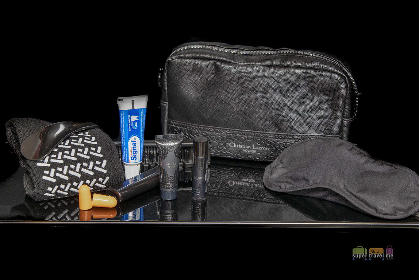 Turkish Airlines Christian Lacroix Voyage amenity kit contents