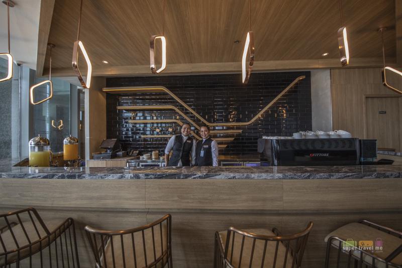 Bar at the Plaza Premium Lounge in Mactan Cebu International Airport