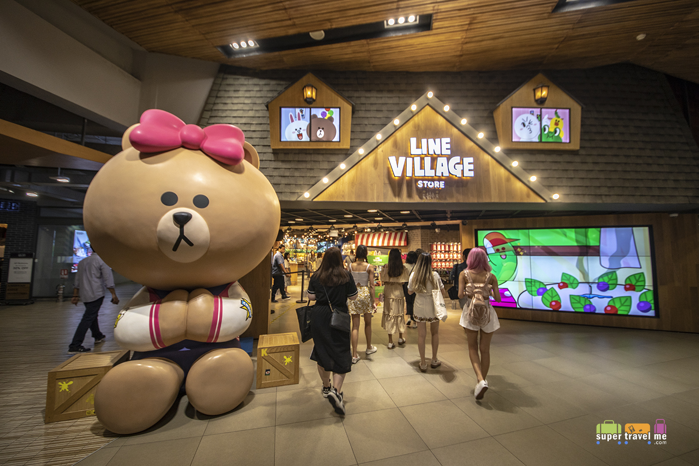LINE VILLAGE STORE in Bangkok
