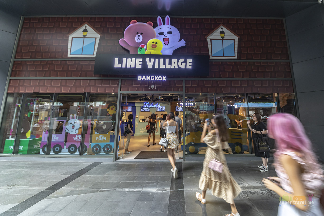 LINE VILLAGE BANGKOK Entrance