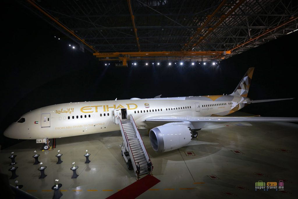 Etihad Airways new Boeing 787-9 Dreamliner (A6-BLA) launched on 18 December 2014 at Etihad Airways' hangar in Abu Dhabi International Airport.
