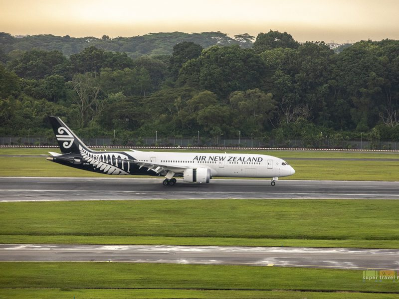 Air New Zealand B787-9 (ZK-NZL) landed in Changi Airport on 28 October 2018 at 5.02pm