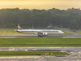 Singapore Airlines A350 landing at Singapore Changi Airport