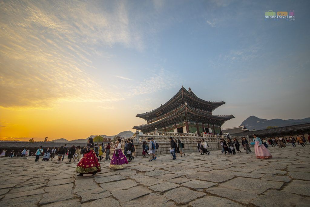 Sunset at Gyeongbokgung Palace (경복궁), Seoul