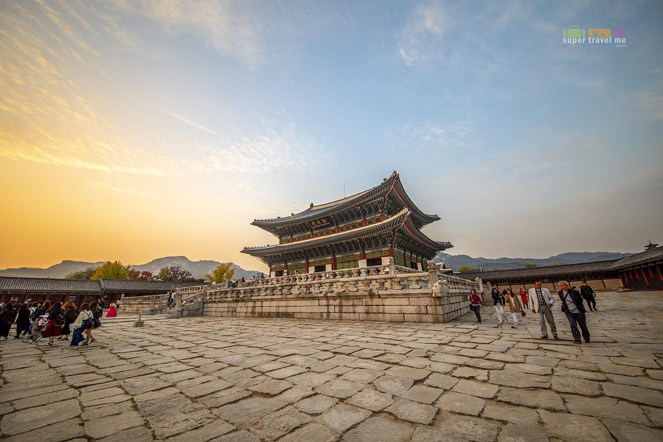 Sunset at Gyeongbokgung Palace (경복궁), Seoul