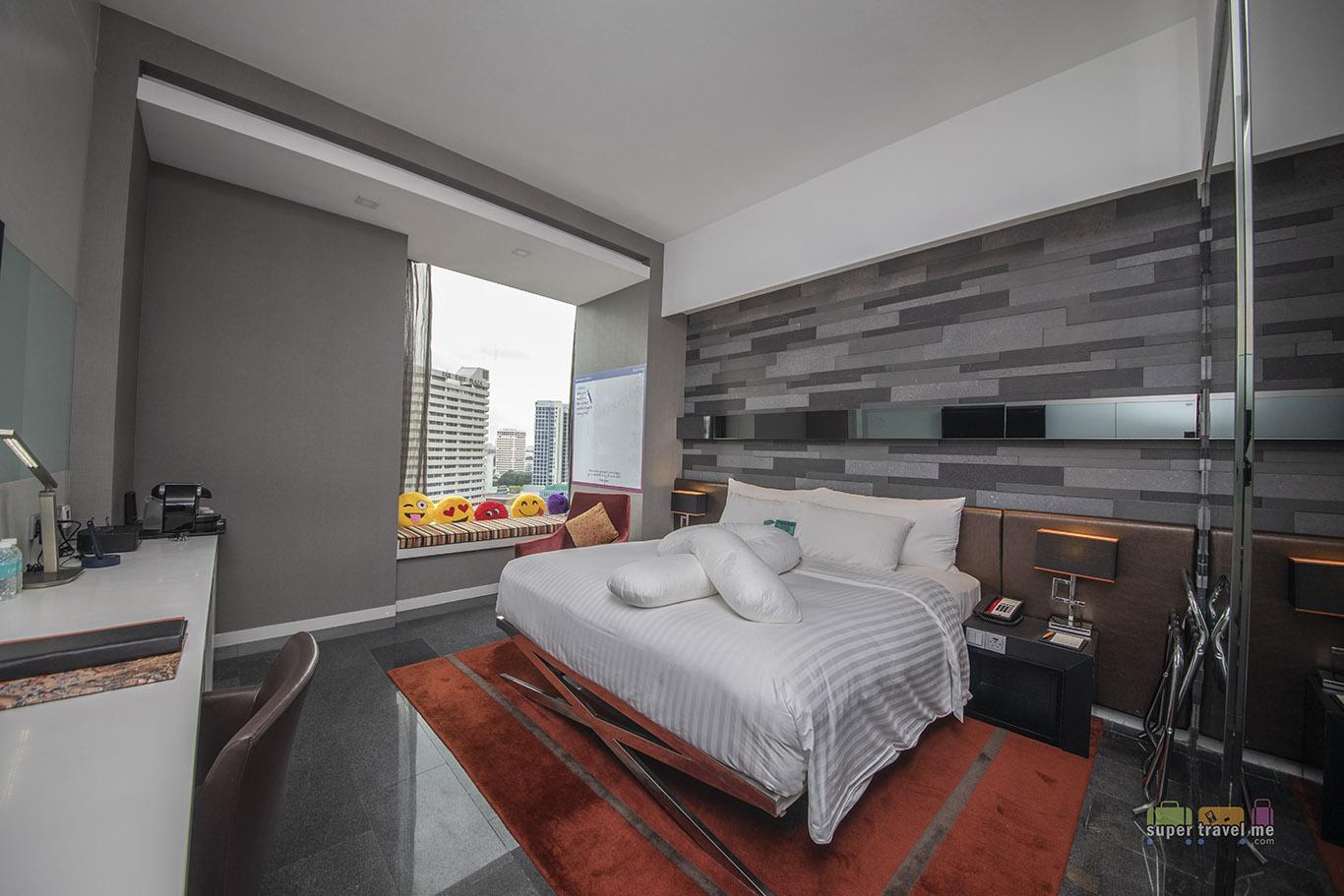 Studio Deluxe Room in The Quincy Hotel Singapore - Room 1301