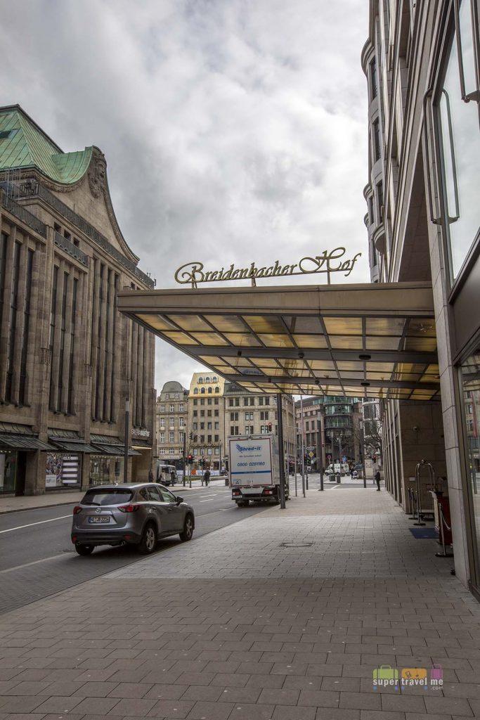 Capella Breidenbacher Hof Düsseldorf main entrance