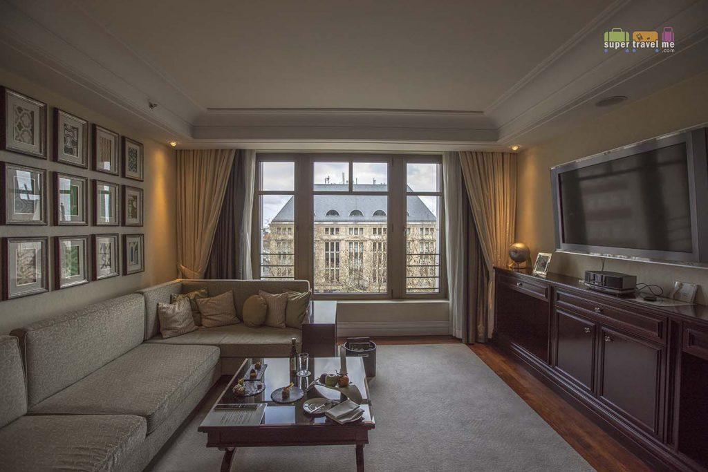 The Capella Suite Living Room at the Capella Breidenbacher Hof Düsseldorf
