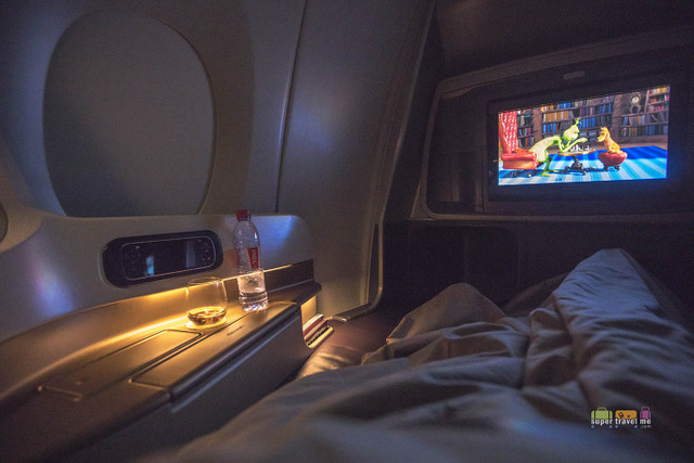 Window seat on the first row onboard Singapore Airlines A350-900XWB aircraft