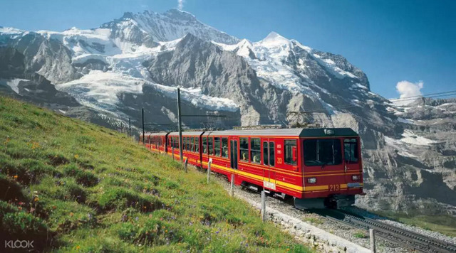 Day Trip to Jungfraujoch Source: Klook