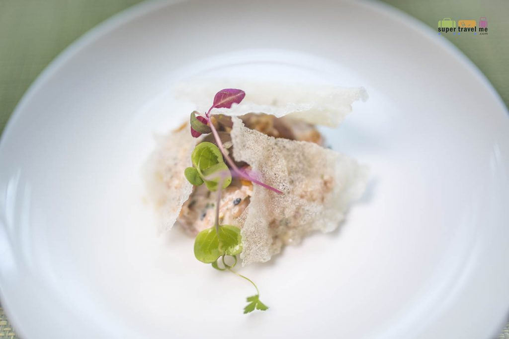 Finnair Singapore - Helsinki Summer 2019 Menu - Starter - Salmon tartar, marinated mushrooms, trout roe and fried onion by Chef Tommy Myllymäki
