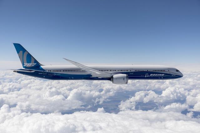 Boeing Flight Test & Evaluation, Boeing Field, Seattle, Flight Test, 787-10 Dreamliner, ZC001, Test 004-04, Flutter, puffy clouds, Eastern washington
