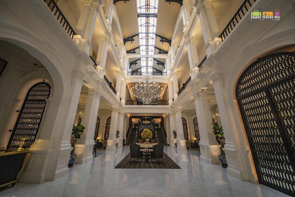Raffles Hotel Singapore hotel lobby
