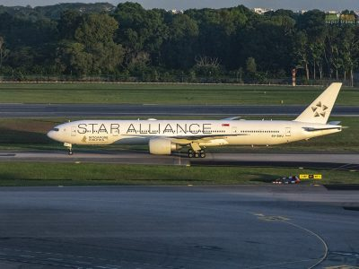 Singapore Airlines Star Alliance (9V-SWJ)