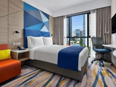 TravMedia_Asia_medium-sized_1320821_@IHG_SINSG Holiday Inn Express Sarengoon - Standard Queen 620 Product Angle 1