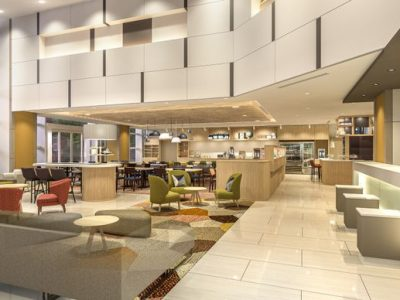 Holiday Inn & Suites Shin Osaka Lobby Lounge (IHG Photo)