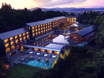 TravMedia_Asia_medium-sized_1476268_ROKU_KYOTO_LXR_Hotels_Resorts_Exterior